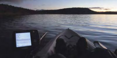 107 tow theworm echo sounder on kayak